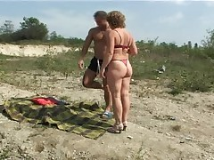 Mature with small tits big nipples gets fuck on lakeshore