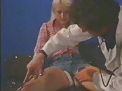 Amateur blonde fucks her doctor