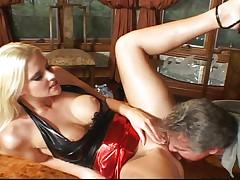 Horny bitch stresses her vagina