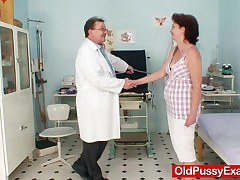 Ivana - Gyno Doctor Examines Milf Mature Pussy With Speculum And Various Gyno Tools