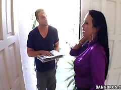 Mariah Milano - MILF Soup - Door To Door Service With Mariah Milano