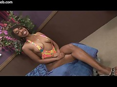 Queen Diva - That Azz Is Off Da Chain - Scene 5