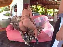 Darlene shakes her beautiful brazilian butt