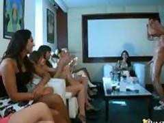 DRUNK GIRLS SUCKING & FUCKING WHILE FRIENDS WATCH