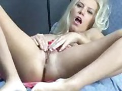 Blonde loves to masturbate
