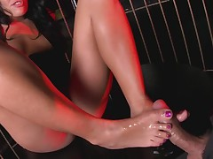 Fine ass chick gives hot footjob