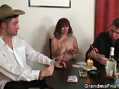 Strip poker leads to hard threesome